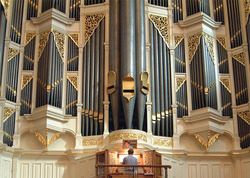 Martin Setchell plays the Sydney Town Hall pipe organ